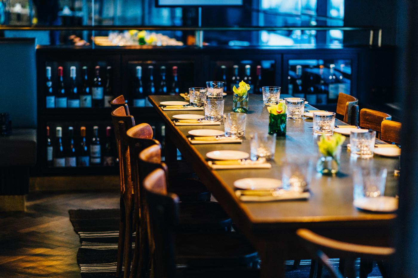 Eingedeckter Tisch im Restaurant Brasserie Colette