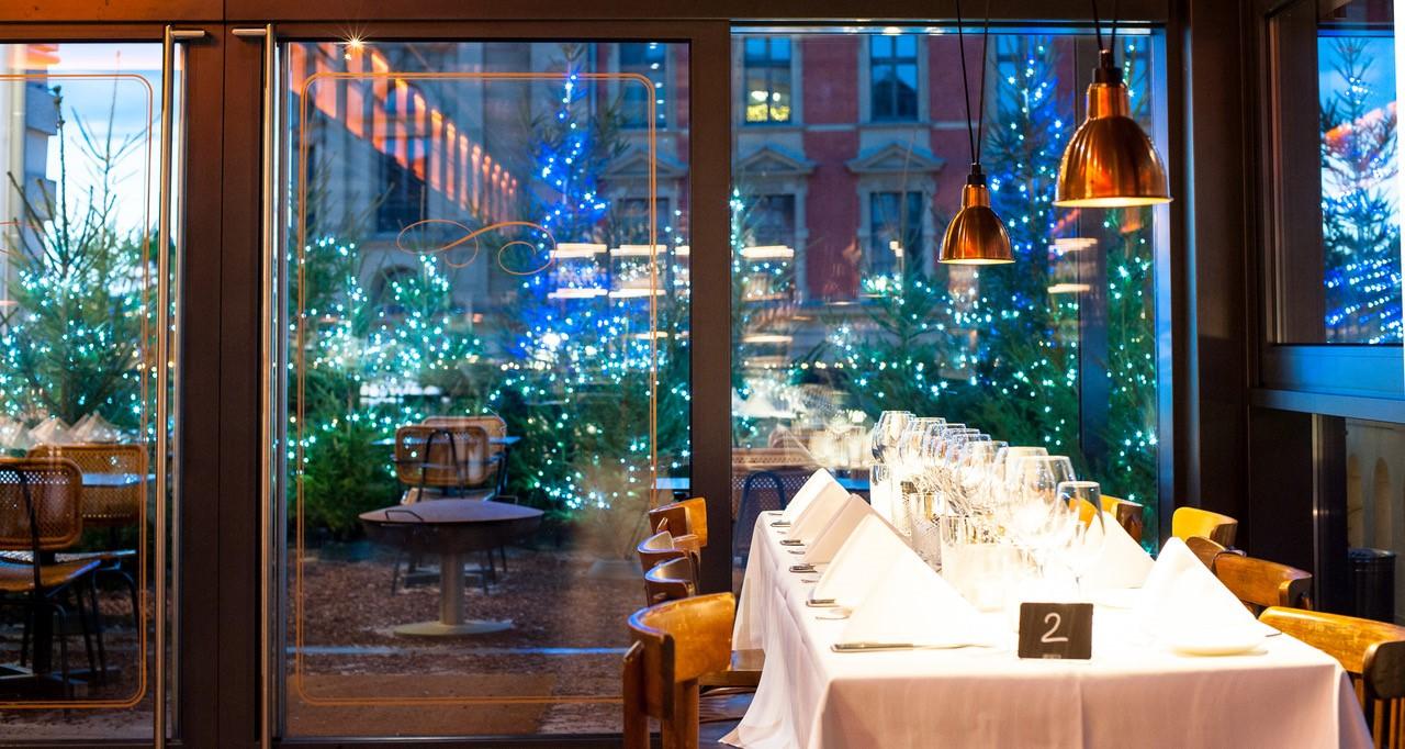 Gedeckter Tisch im Restaurant Brasserie Colette Tim Raue